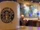 Сеть Starbucks утраивает доход